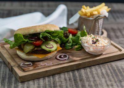 Neben fränkischen Klassikern gibt es bei uns auch leckere Burger