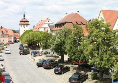 Blick-auf-Marktplatz-Schluesselfeld